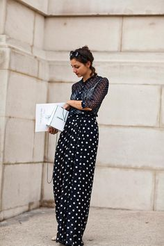 Polka dots in Paris. (The Sartorialist)