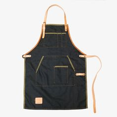 This one-piece apron is made using poli-cotton denim fabric with contrasted fold, combined with natural tanned leather. Very light weight, comfortable for continues working. Our apron is handcutted with great care for detail and made in our small workshop in Tel-Aviv.