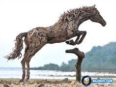 Most Amazing Driftwood Sculptures (17 Photos)
