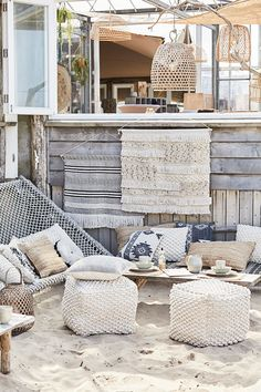 Riverdale Summer Voque - The World Best House Types Outdoor Living Rooms, Beach House Decor, Home Decor, Coastal Cottage, House In The Woods, Home Interior Design, Ibiza Style Interior, Interior Ideas, Interior Paint