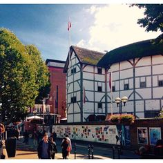 Autumn sun shining on Shakespeare's Globe on Bankside, London. Globe Theatre, Theatre Stage, Theatres, Concert Hall, Shakespeare, Close Up, Times Square, Sunshine, Around The Worlds