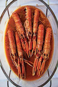 On Croatia's Dalmatian coast, shellfish are often prepared na buzaru, simmered in a brandy-and-wine-enriched tomato sauce.