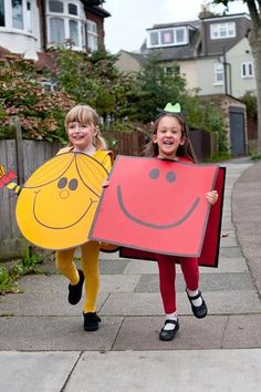 Nothing easier than these Mr Strong or Little Miss Sunshine costumes for World Book Day -- all you need are some big pieces of card. Easy Book Week Costumes, Book Costumes, World Book Day Costumes, Dress Up Costumes, Girl Costumes, Children Costumes, Teacher Costumes, Couple Costumes, Group Costumes
