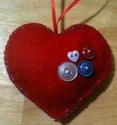 back sideof heart http://handmadetalesofdiyderringdo.wordpress.com/tag/christmas/