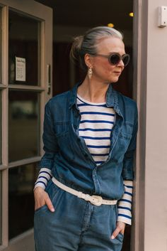 hairstyles over 60 older women grey hair & hairstyles over 60 older women . hairstyles over 60 older women new looks . hairstyles over 60 older women grey hair Over 60 Fashion, Mature Fashion, Fashion Tips For Women, Sixties Fashion, Advanced Style, Going Gray, Fashion Moda, Women's Fashion, Grey Hair