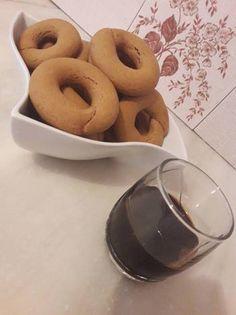 Greek Desserts, Greek Recipes, Peanut Butter Cookies, Bagel, Scones, Doughnut, Biscuits, Sweets, Bread