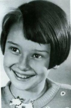 """Audrey Hepburn 10 years old. Películas: """"My fair lady"""", """"Vacaciones en Roma"""", """"Sabrina""""..."""