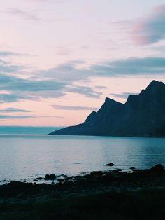 Sunset @Flakstad, Lofoten - Norway Lofoten, Norway, Mountains, Sunset, Nature, Travel, Blogging, Naturaleza, Viajes