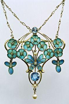 Jugendstil Butterfly Pendant c1900 | LEVINGER & BISSINGER | silver, plique-à-jour enamel, pearls