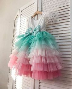 18 New Ideas crochet dress girl princesses Frocks For Girls, Tutus For Girls, Dresses Kids Girl, Kids Outfits Girls, Girl Outfits, Fashion Kids, Kids Frocks Design, Baby Frocks Designs, Baby Girl Dress Patterns