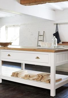 What is it with the Brits and bespoke kitchens? We've just come across deVOL Kitchens, an East Midland outfit founded in 1989 by two design graduates Freestanding Kitchen, Home Kitchens, Rustic Kitchen, Kitchen Dining Room, Devol Kitchens, Home Decor, Kitchen Work Tables, Simple Kitchen, Kitchen Prep Table