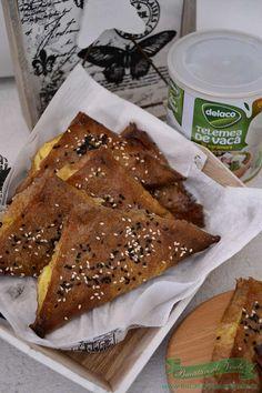 Trigoane cu branza si ananas - Bucataresele Vesele Waffles, Breakfast, Food, Morning Coffee, Essen, Waffle, Meals, Yemek, Eten