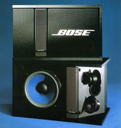 BOSE 301 Love em or hate em Bose has made one of the most significant contributions to reference-level home theater and stereos in the consumer market. They offered a compact easy to use system that was at its conception rather progressive. Pro Audio Speakers, Audiophile Speakers, Home Speakers, Hifi Audio, Bose Home Theater, Sound Room, Speaker Plans, Speaker Box Design, Sound Stage