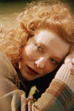 Cate Blanchett as Katherine Hepburn in Aviator.