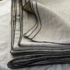 Habiller ses fen tres gris rideaux en lin et blush for Caravane chambre 19 soldes