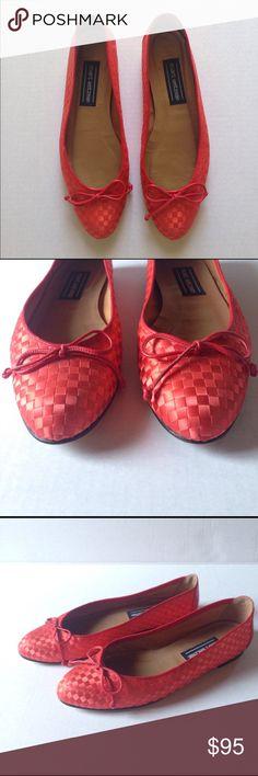 Stuart Weitzman flats Red Stuart Weitzman flats. Weave detail Stuart Weitzman Shoes Flats & Loafers