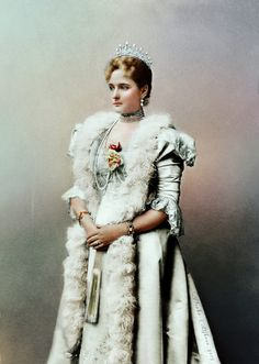 Alexandra Fyodorovna of Russia. The Empress Royal Pic, Alexandra Feodorovna, Court Dresses, The Empress, Imperial Russia, Victorian Women, Russian Fashion, Princess Victoria, Classy Outfits