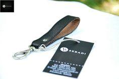 Breloc din piele naturala 1 -negru -catarama metalica argintie -dimensiuni: L=11cm l=1,8cm PRET: 15 Lei Lei, Personalized Items, Metal, Metals