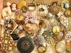 lace necklace - LAUREN- tangerine- long necklace - via Etsy Antique Brooches, Antique Jewelry, Vintage Jewelry, Vintage Bracelet, Vintage Rings, Geometric Necklace, Geometric Jewelry, Chevron Bracelet, Lace Necklace