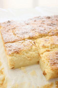 Lemon Magic Cake Recipe, Magic Cake Recipes, Magic Custard Cake, Lemon Dessert Recipes, Lemon Recipes, Easy Cake Recipes, Baking Recipes, Delicious Desserts, Apple Custard Cake Recipe