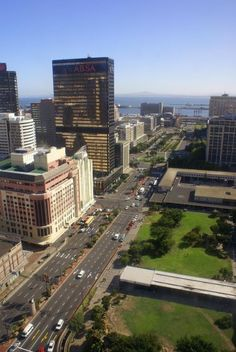 Five things you didn't know about Adderley Street – Cape Town Tourism Cape Town Tourism, Wonderful Places, Beautiful Places, City Gallery, Cape Town South Africa, African Countries, San Francisco Skyline, Places To See, Cool Pictures