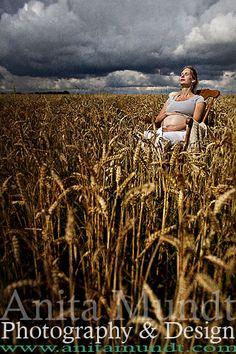 Rocking Maternity Shoot #maternity #photography #pregnancy