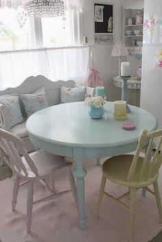 The Shabby Chic décor style popularized by Rachel Ashwell and Arhaus seeks to have an opulent vintage look. Shabby Chic furniture is given a distressed look by covered in sanded milk paint. Pastel Decor, Deco Pastel, Pastel Room, Pastel Colors, Pastel Kitchen Decor, Paint Colors, Soft Colors, Shabby Chic Mode, Shabby Chic Stil