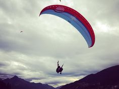 Watching the paragliding in Queenstown. Crazy moves going down range. #paragliding #jimmyjumble #queenstown #newzealand #nzmustdo #photooftheday #nz #tourism #photography #adventure #nature #photo #inspiration #nature #landscapes #instagood #instalife #travel #traveling #instatravel #instago #trip #holiday #fun #travelling #tourism #tourist #instapassport #instatraveling #mytravelgram
