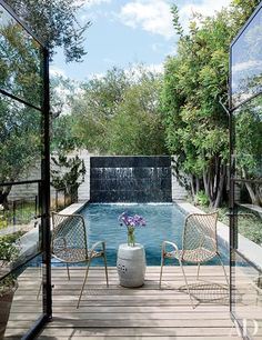 Fashion Designer Jenni Kayne's House in Beverly Hills - Architectural Digest Architectural Digest, Indoor Outdoor Living, Outdoor Pool, Outdoor Spaces, Beverly Hills, Moderne Pools, Small Terrace, Water Walls, Los Angeles Homes