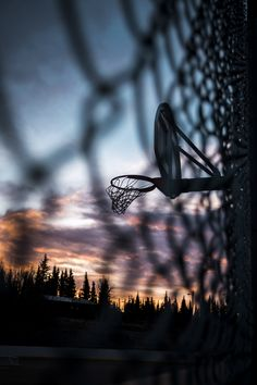 NBA Basketball: Kevin Durant's Injury and the Major Impact it Will Have on Free Agency. — The Off The Glass Podcast - Basketball Nba Basketball, Basketball Pictures, Nba Sports, Nike Football, Basketball Drawings, Basketball Tattoos, Sports Wallpapers, Friend Photography