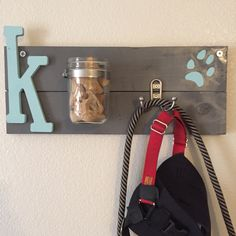 I usually don't pin my own DIYs, but wanted to share this … Treat & leash holder. I usually don't pin my own DIYs, but wanted to share this with all dog lovers who want to craft for their pooch. Dog Leash Holder, Dog Rooms, Dog Crafts, Treat Holder, Animal Projects, Mason Jar Crafts, New Puppy, Diy Stuffed Animals, Pet Accessories