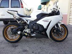 Honda CBR1000rr FiereBlade 2012