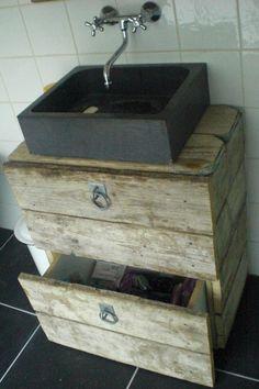 Stoer, ruig badkamermeubel