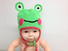 Cappello rana verde pisello neonato 3  6 by CreationPatchworkEwa