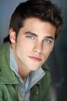 This is one good-looking man - Brant Daugherty in Army Wives