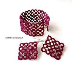 Начинаю год НОВИНОЧКОЙ! Набор украшений из браслета и серёжек в бордовом цвете с серебристым бисером (металлик).