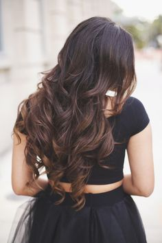 Ombre Chestnut Luxies in beautiful voluminous waves on Haute of the Rack <3 | Photo Credit: http://hauteofftherack.com/