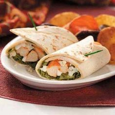 Hosting a party? Make these mini buffalo chicken wraps for your guests - they'll LOVE them!