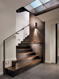 I love this unique modern staircase - very sku .- Ich liebe dieses einzigartige moderne Treppenhaus – sehr skulptural I love this unique modern staircase – very sculptural. Home Design, Modern House Design, Home Interior Design, Interior Architecture, Design Ideas, Staircase Design Modern, Exterior Design, Houses Architecture, Modern Railing