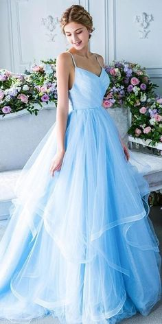 Blue Wedding Gowns, White Bridal Dresses, Blue Ball Gowns, Pretty Prom Dresses, Dresses To Wear To A Wedding, Prom Dresses Blue, Bridal Gowns, Beautiful Dresses, Dresses Dresses