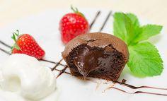 Шоколадные кексы с жидкой начинкой (шоколадный фондан) - пошаговый рецепт с фото