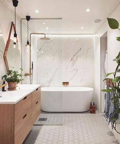 Home Decor Farmhouse 100 Bathroom Storage / Home design ideas.Home Decor Farmhouse 100 Bathroom Storage / Home design ideas Modern Master Bathroom, Modern Bathroom Design, Bathroom Interior Design, Modern Bathtub, Master Shower, Small Bathroom With Tub, Interior Decorating, Freestanding Tub With Shower, Decorating Ideas