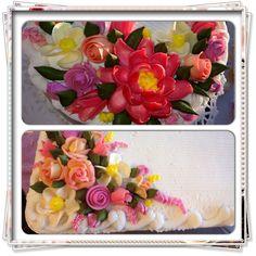 Roses, Lotus, & Flowers cakes