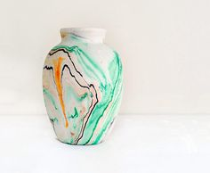 i love the way that the design on this vase turned out with the different colors