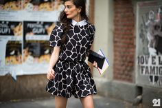 Giraffe print dress, note the collar and red lips!