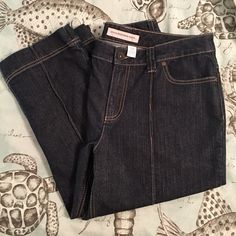 Chico's capris Chico's dark denim jean capris. Like new! Chico's size 1.5 is comparable to a size 10. (I have a Chico's size chart in my closet if you need to see it for reference) >>> ⭐️You will love these! Chicos Jeans