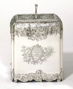 Tea Caddy by Paul de Lamerie, 1735..They don't make them like they used to. Beautiful!