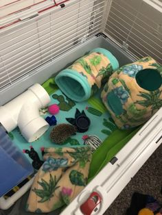 """For information on pet hedgehogs (so-called """"African Pygmy Hedgehogs"""") and wild hedgehogs. Pygmy Hedgehog Cage, Hedgehog Care, Baby Hedgehog, Diy Guinea Pig Cage, Guinea Pig House, Guinea Pigs, Diy Hedgehog House, Hedgehog Supplies, Hedgehog Habitat"""