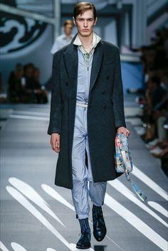 Sfilata Moda Uomo Prada Milano - Primavera Estate 2018 - Vogue