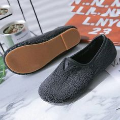 Soft Curly Plush Slip On Warm Loafers - Black / size Snow Boots Women, Color Khaki, Shoe Size Chart, Tory Burch Flats, Loafers For Women, Low Heels, Unique Fashion, Comfortable Shoes, Zapatos